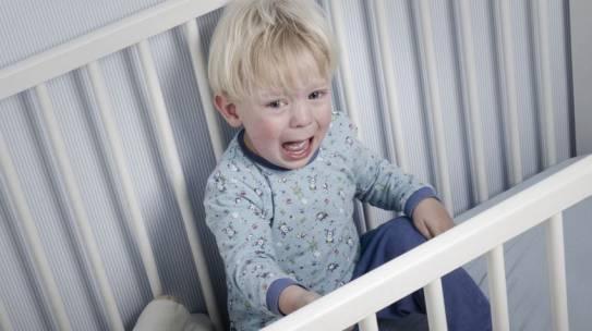 Terrores nocturnos: grito y despertar brusco durante la noche